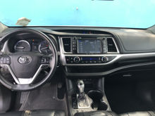 Picture of 2017 Toyota Highlander SE Mileage:61,219